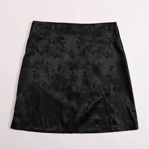 silk detailed floral skirt with slit